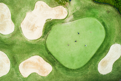 Taking a Shot - Sport「Aerial photograph of a golf course on a sunny day.」:スマホ壁紙(12)
