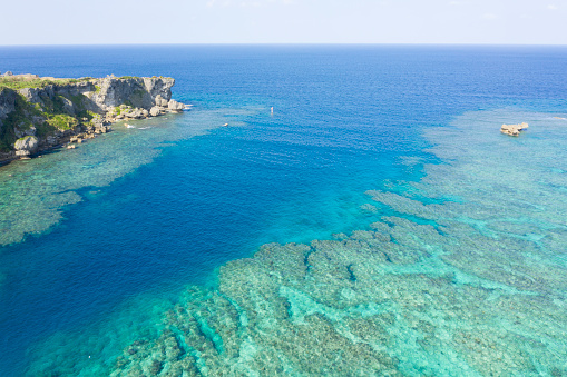 Shallow「Aerial photograph of beautiful sea, hill and horizontal line.」:スマホ壁紙(2)