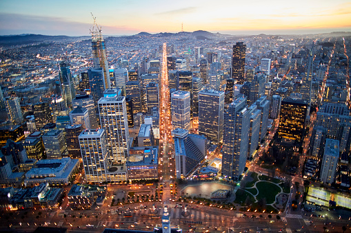 USA「Aerial photography view by Twilight south of San Francisco Financial District in the San Francisco Bay Area. California, United States.」:スマホ壁紙(18)