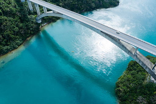 Turquoise Colored「Aerial photograph of the beautiful sea and bridge.」:スマホ壁紙(3)