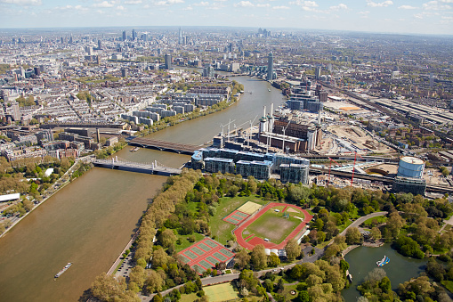 Wandsworth「Aerial photography view east of Battersea Park and River Thames. London, SW11 UK.」:スマホ壁紙(7)