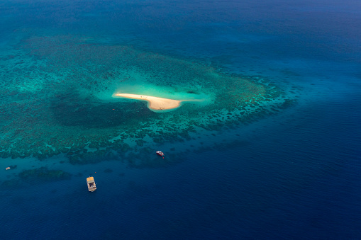 The Nature Conservancy「Aerial photography of the Great Barrier Reef」:スマホ壁紙(5)