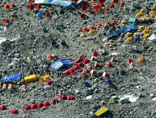 Climbing「50 Year Anniversary Of Conquest Of Mount Everest」:写真・画像(13)[壁紙.com]