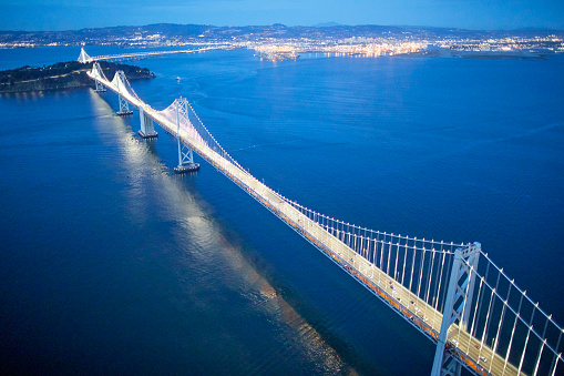 USA「Aerial photography view north-east of San Francisco-Oakland Bay Bridge San Francisco Bay Area in the evening. California, United States.」:スマホ壁紙(15)