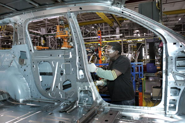General Motors「GM Plant Readies For Third Shift As U.S. Sales Increase In February」:写真・画像(7)[壁紙.com]