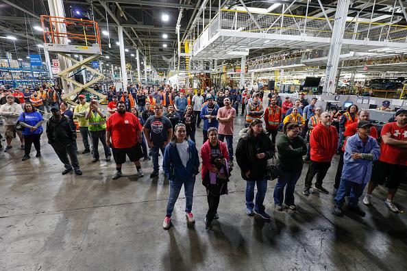 交通輸送「General Motors Announces Major Investment At The Lake Orion, Michigan Assembly Plant」:写真・画像(6)[壁紙.com]