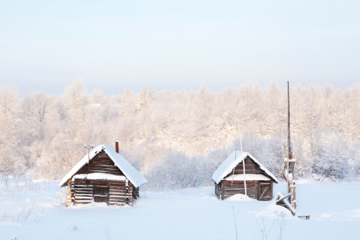 Chalet「Two wooden house in the snow」:スマホ壁紙(2)