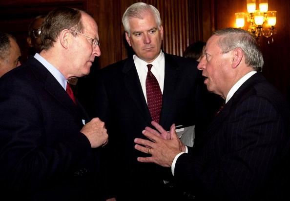 CEO「U.S. Senators, Corporate Heads Discuss AIDS」:写真・画像(3)[壁紙.com]