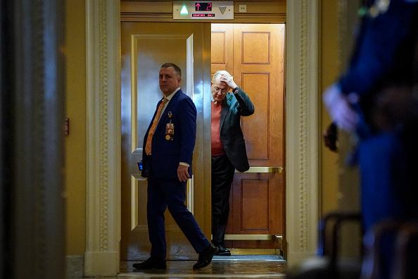 Drew Angerer「Senate Impeachment Trial Of President Trump Continues」:写真・画像(12)[壁紙.com]