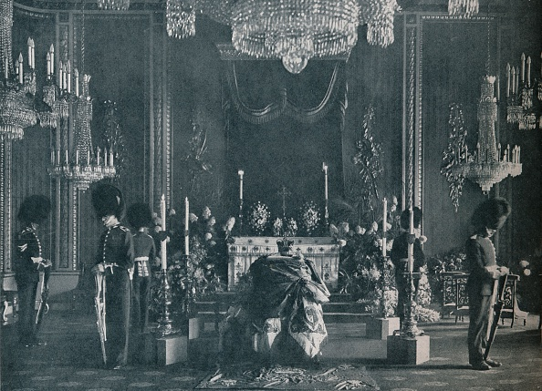 King - Royal Person「The private lying in state of King Edward VII, 1910 (1911)」:写真・画像(15)[壁紙.com]