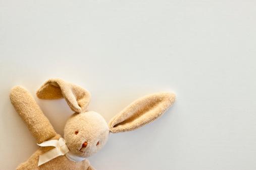 Stuffed Animals「Cuddly toy rabbit, close up」:スマホ壁紙(9)