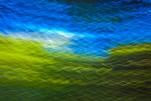 Abstract Backgrounds「Blue sky from inside forest, blurred motion」:スマホ壁紙(15)