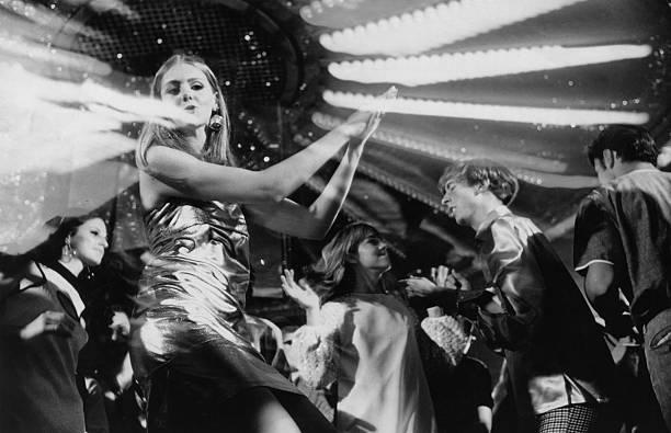 Disco Dancing:ニュース(壁紙.com)