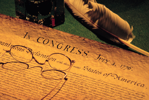 Fourth of July「Declaration of Independence with eye glasses and quill pen」:スマホ壁紙(3)