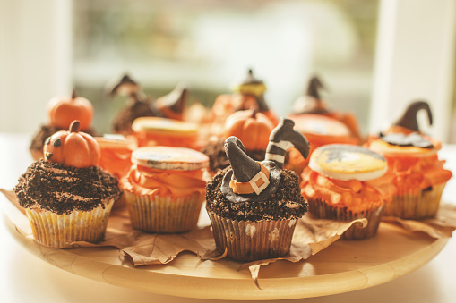 Halloween Party「Cupcakes with Halloween decoration」:スマホ壁紙(11)