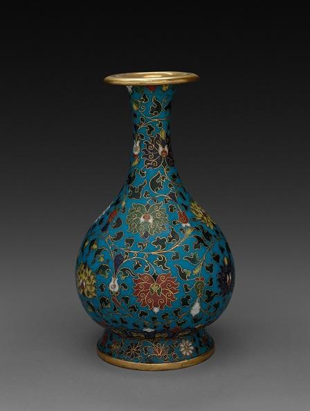 Vase「Vase With Floral Scrolls」:写真・画像(16)[壁紙.com]