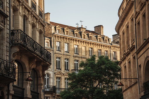 Nouvelle-Aquitaine「Typical french architecture in Bordeaux」:スマホ壁紙(17)