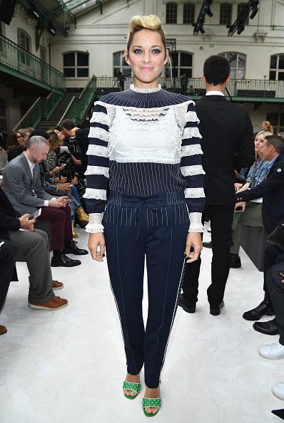 Marion Cotillard「Valentino: Front Row - Paris Fashion Week Womenswear Spring/Summer 2018」:写真・画像(16)[壁紙.com]