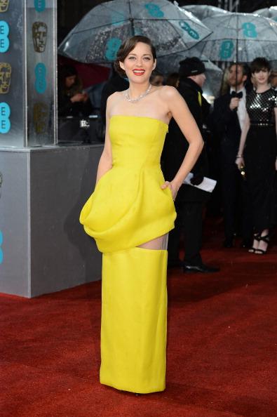 Yellow Dress「EE British Academy Film Awards - Red Carpet Arrivals」:写真・画像(14)[壁紙.com]