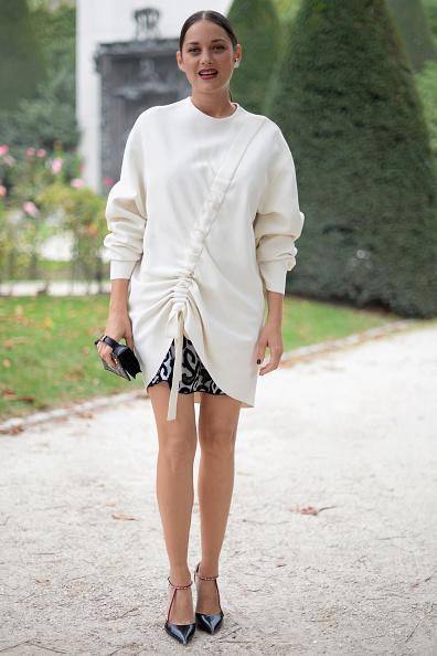 Knitted「Christian Dior : Street Style - Paris Fashion Week Womenswear Spring/Summer 2017」:写真・画像(19)[壁紙.com]