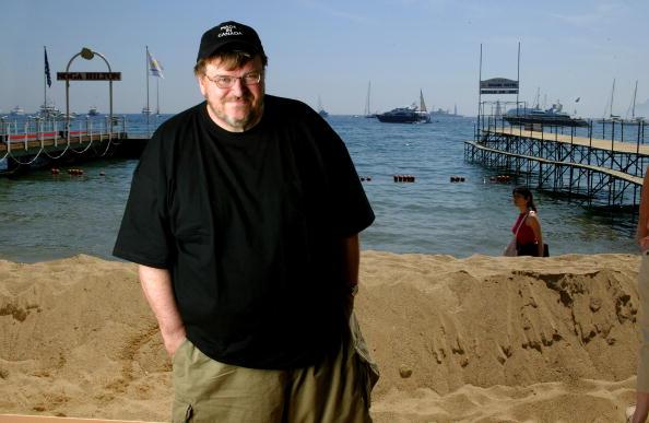 L'Oreal「57th International Cannes Film Festival: Michael Moore Portrait Session」:写真・画像(5)[壁紙.com]