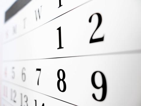 数字の8「カレンダー」:スマホ壁紙(19)
