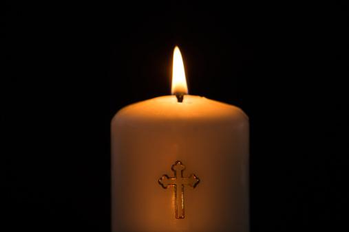 Methodist「Candle with cross embellishment」:スマホ壁紙(5)