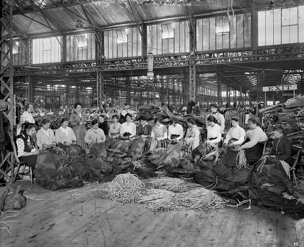 Threading「Waring & Gllow munitions factory, White City, Hammersmith and Fulham, London, August 1916」:写真・画像(6)[壁紙.com]