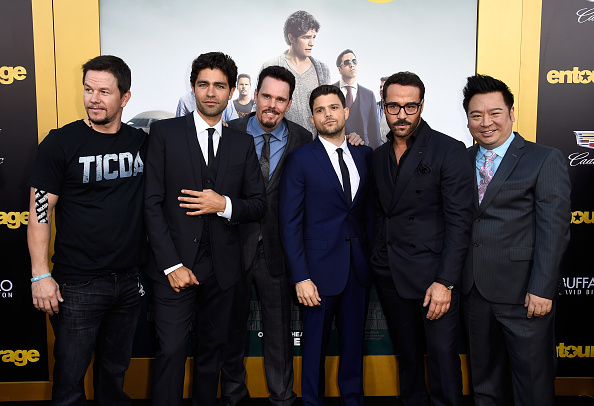 "Medium Group Of People「Premiere Of Warner Bros. Pictures' ""Entourage"" - Arrivals」:写真・画像(15)[壁紙.com]"