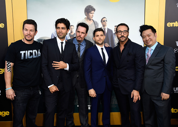 "Medium Group Of People「Premiere Of Warner Bros. Pictures' ""Entourage"" - Arrivals」:写真・画像(12)[壁紙.com]"