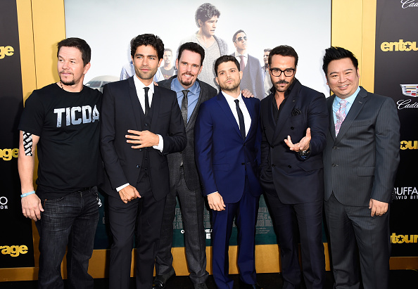 "Medium Group Of People「Premiere Of Warner Bros. Pictures' ""Entourage"" - Arrivals」:写真・画像(14)[壁紙.com]"