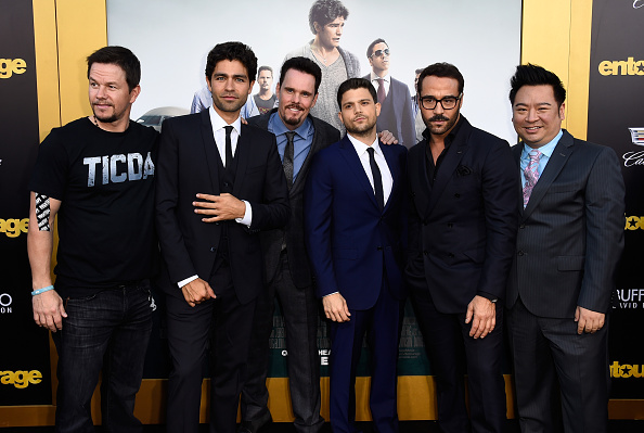 "Medium Group Of People「Premiere Of Warner Bros. Pictures' ""Entourage"" - Arrivals」:写真・画像(13)[壁紙.com]"