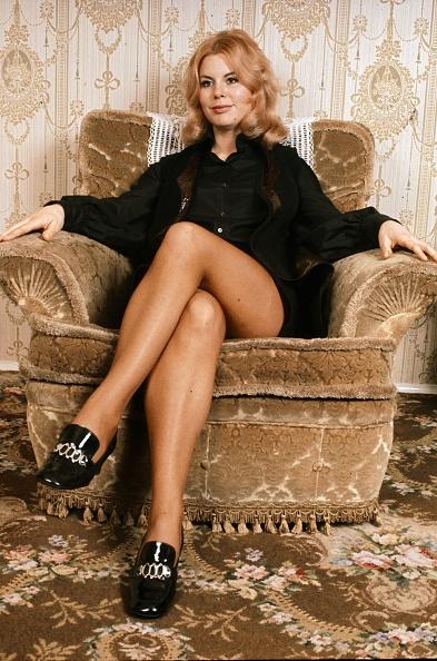 座る「Tina Moore」:写真・画像(15)[壁紙.com]