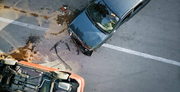 Car accident:スマホ壁紙(壁紙.com)