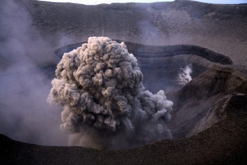 Steep「September 5, 2006 - Yasur eruption, Tanna Island, Vanuatu.」:スマホ壁紙(15)