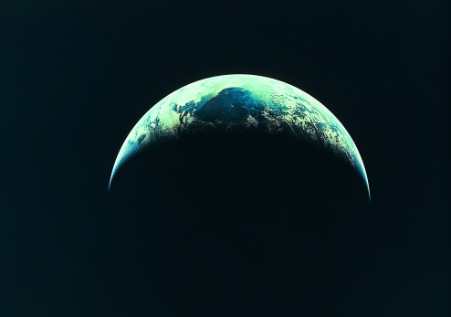 Planet Earth「The Earth, partly illuminated」:スマホ壁紙(3)