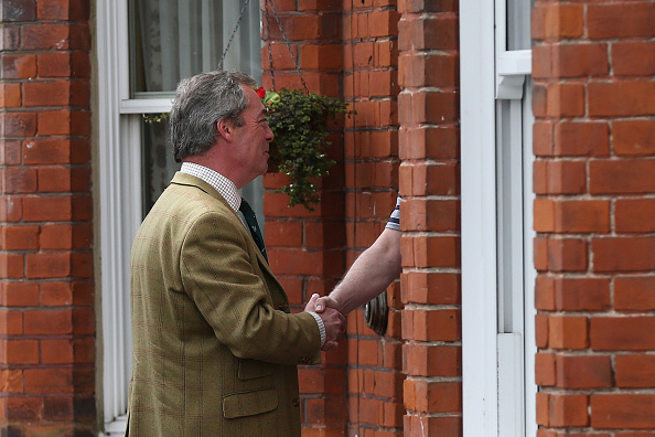 Politics and Government「UKIP Leader Nigel Farage Campaigns in South Thanet」:写真・画像(13)[壁紙.com]