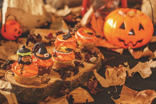 ハロウィンパーティー「甘いハロウィーン」:スマホ壁紙(7)