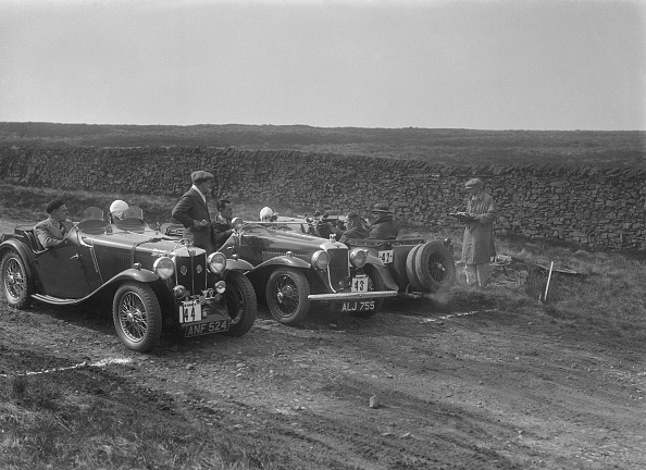 Country Road「Two MG Magnettes and a Hillman Aero Minx at the Sunbac Inter-Club Team Trial, 1935」:写真・画像(15)[壁紙.com]