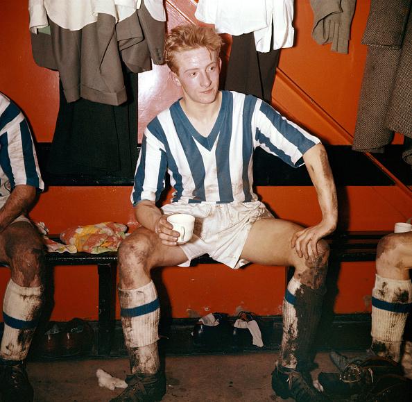 Soccer - Sport「Denis Law Huddersfield Town 1957」:写真・画像(14)[壁紙.com]