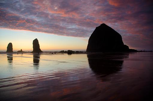 Cannon Beach「Cannon Beach Sunset Splendor」:スマホ壁紙(3)