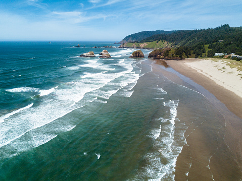 Haystack Rock「cannon beach aerial view」:スマホ壁紙(10)