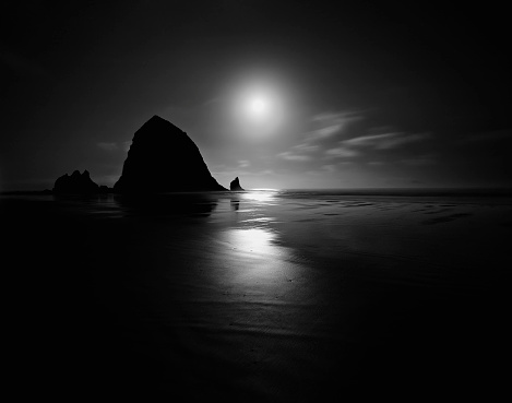 Cannon Beach「Cannon Beach at sunset in Oregon, USA」:スマホ壁紙(16)