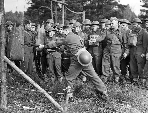 Advice「Bayonet Training」:写真・画像(16)[壁紙.com]
