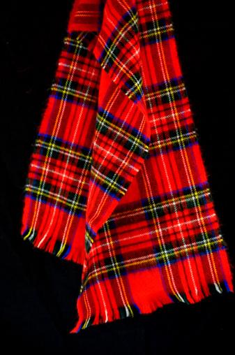 タータンチェック「レッドの格子柄スカーフ」:スマホ壁紙(4)