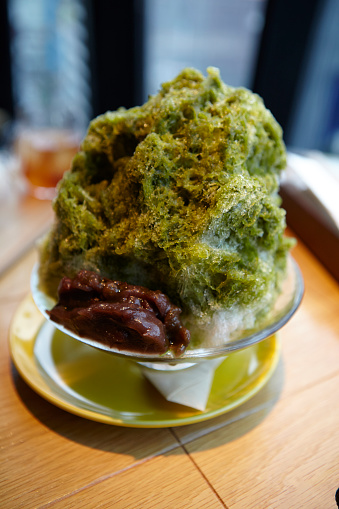かき氷「japanese shaved ice with matcha syrup」:スマホ壁紙(15)