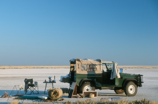 Camping Chair「Side View of 4x4 and Camping Site on the Magadikgadi Salt Pans」:スマホ壁紙(16)