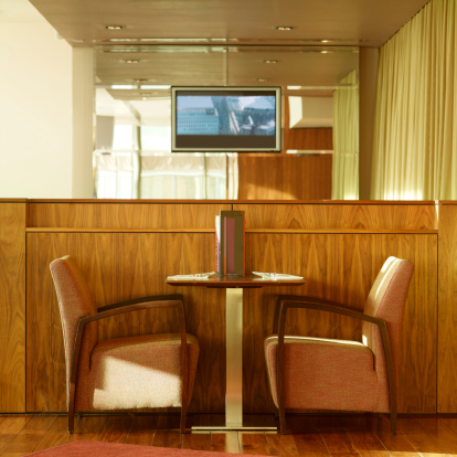 Side View「Side view of table and chair in hotel bar」:スマホ壁紙(8)
