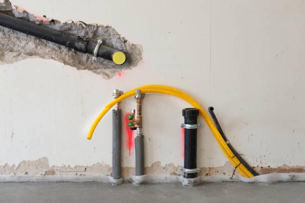 Unfinished water installation / plumbing:スマホ壁紙(壁紙.com)