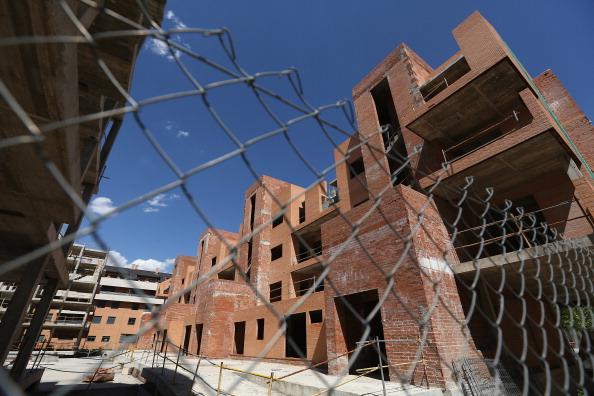 Corporate Business「Economic Crisis Renders Madrid's Commuter Towns Redundant」:写真・画像(17)[壁紙.com]